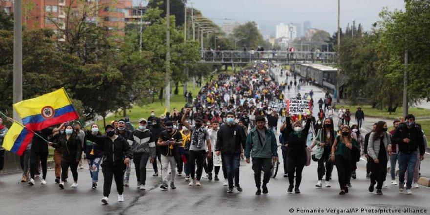 Kolombiya'da halk geri adım atmıyor