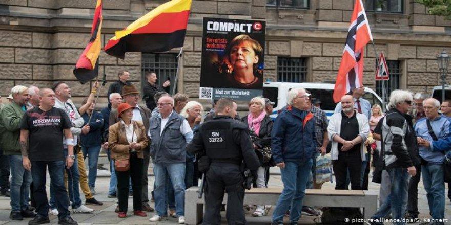 Almanya İslam karşıtı Pegida'yı kara listeye aldı