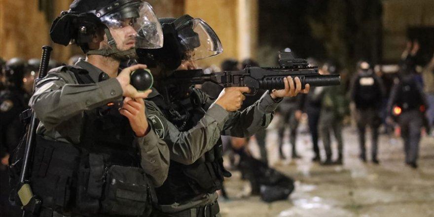 İşgalci İsrail güçleri Kudüs'te 13 Filistinliyi gözaltına aldı