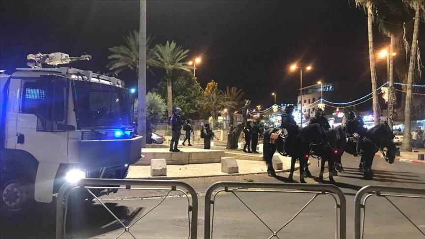 Siyonist İsrail Şam Kapısı'nda Filistinlilere saldırdı