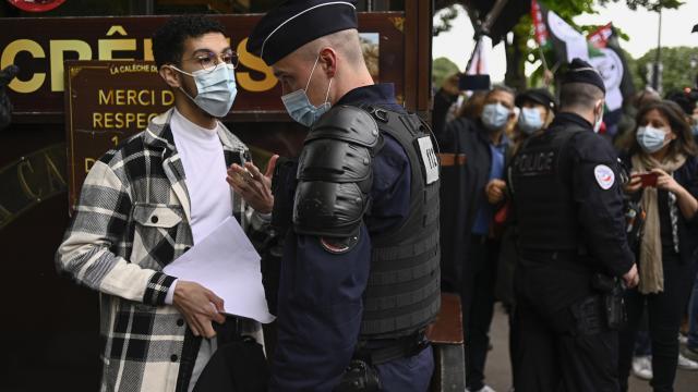 Fransa'da 'ayrılıkçı yasa tasarısı' kabul edildi