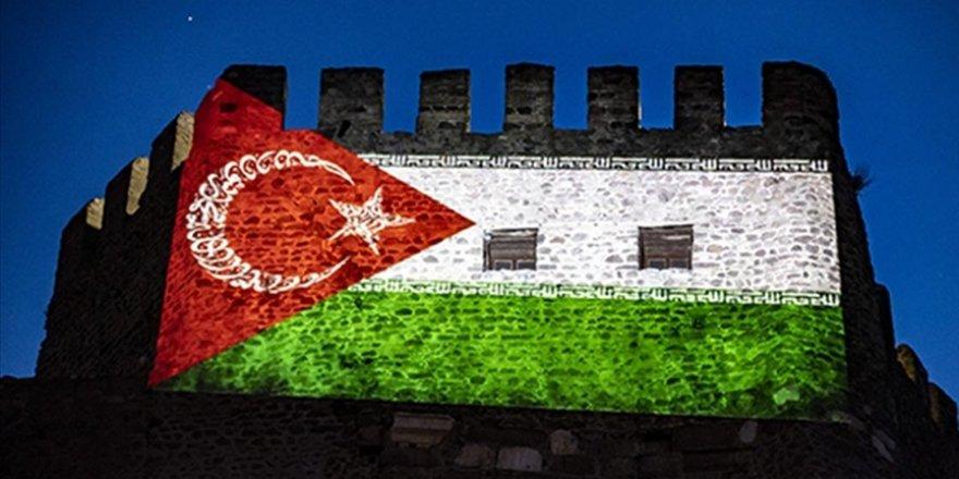 Ankara Kalesi, Filistin'e destek için ışıklandırıldı