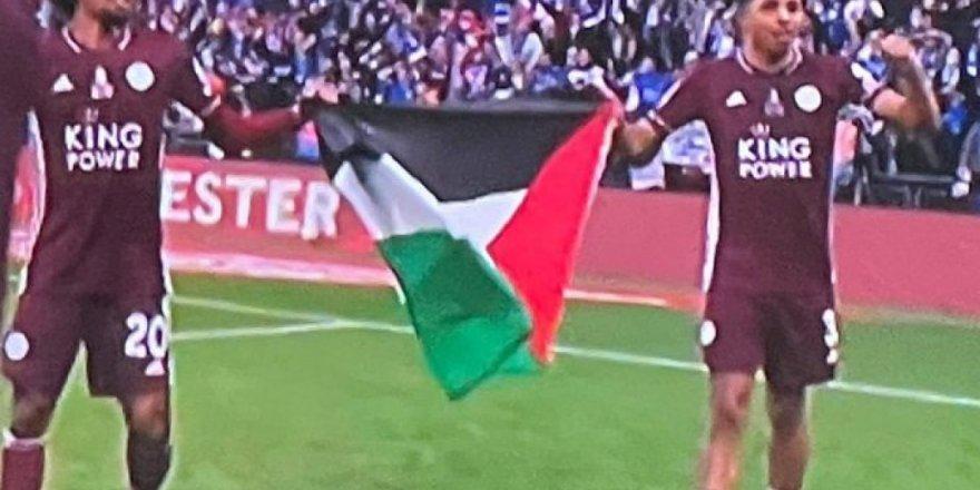 İngiliz Leicester City takımından Filistin bayrağıyla kutlama