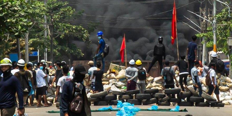 Myanmar'da darbeci ordunun öldürdüğü protestocu sayısı 796'ya yükseldi