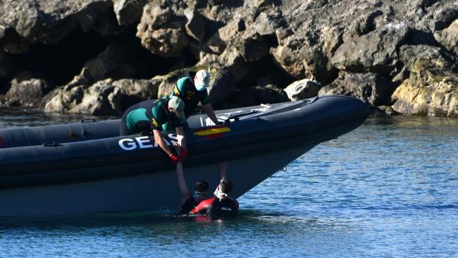 Son 24 saatte 5 bin göçmen yüzerek İspanya'ya geçti