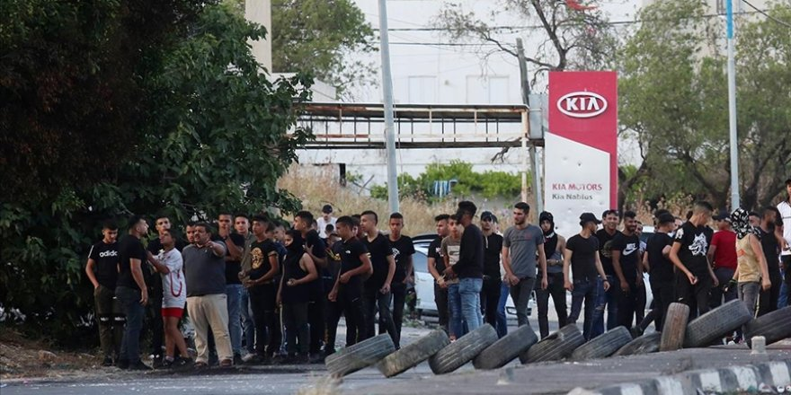 Batı Şeria'nın Nablus ve Tulkerm kentlerinde Gazze'ye destek gösterisi düzenlendi