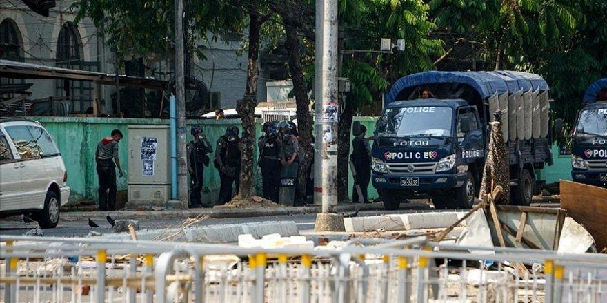 Myanmar'da darbeci ordunun öldürdüğü protestocu sayısı 800'ü geçti
