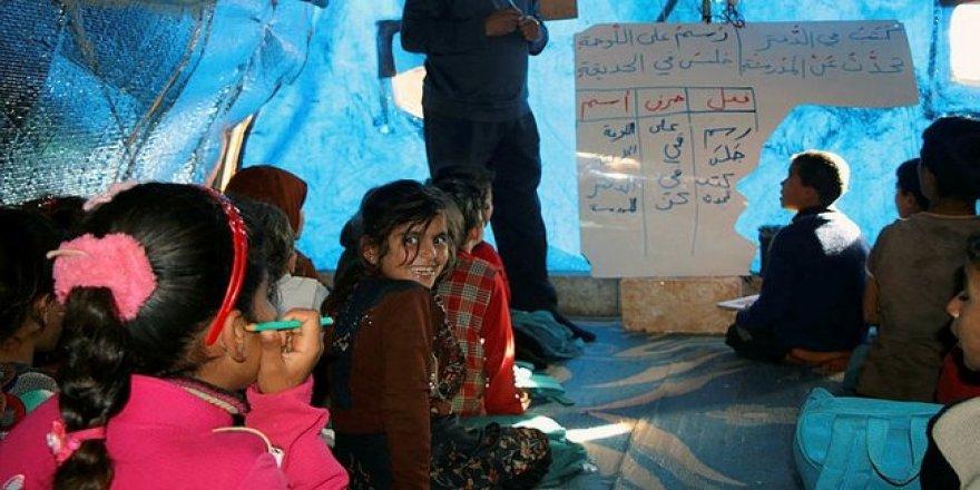 İdlib'de çeyrek milyon öğrenci okula erişemiyor
