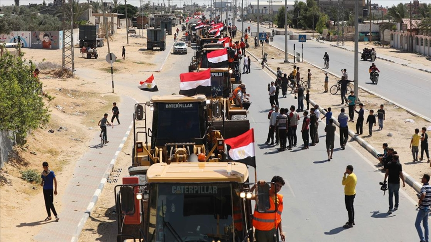 Mısır Gazze'nin yeniden imarına destek için ekip gönderdi