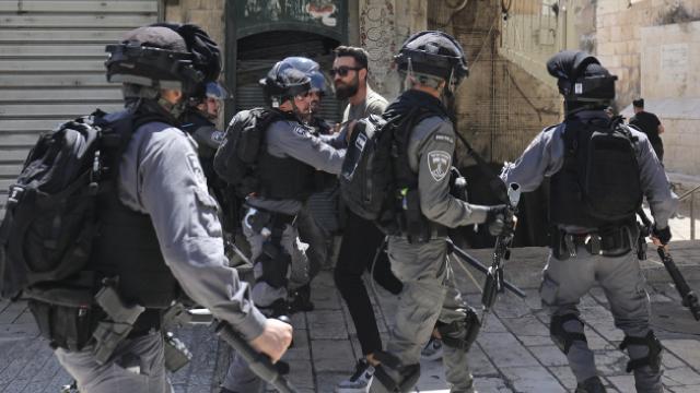 Kudüs'te Filistinlilere saldırı: 10 yaralı