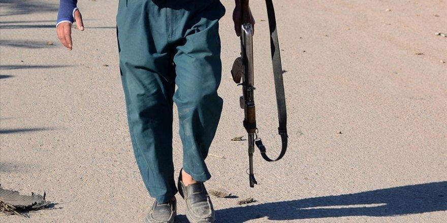 Afganistan'da 2 ilçe Taliban'ın kontrolüne geçti