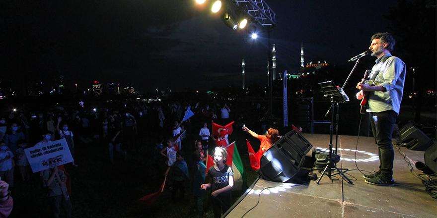 Grup Yürüyüş'ten Bursa'da Kudüs konseri