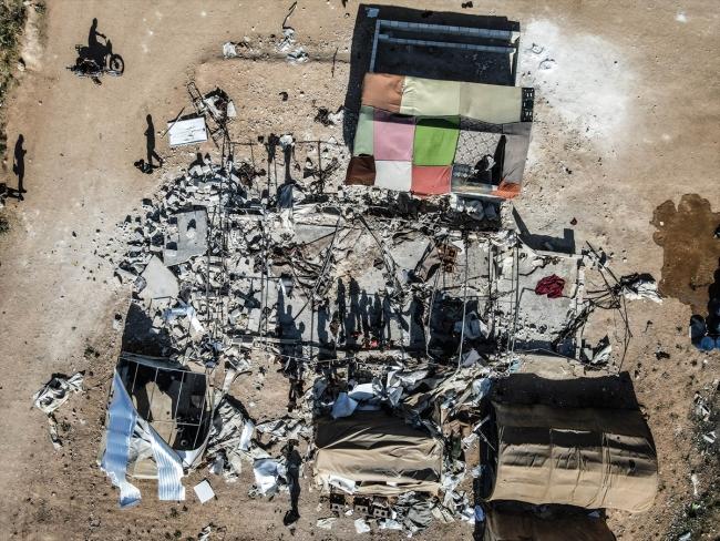 Esed rejimi İdlib'de mescit ve okulu hedef aldı
