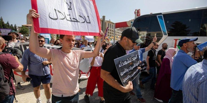 Doğu Kudüs'te Şeyh Cerrah Mahallesi'ndeki Filistinlilere destek gösterisi düzenlendi
