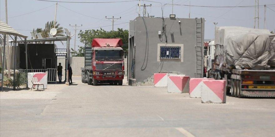 İşgalci İsrail, Gazze'ye önemli ve zorunlu ürünlerin girişine engel olmayı sürdürüyor