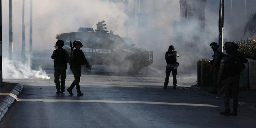 Siyonist İsrail güçleri, Batı Şeria'daki gösteride 5 Filistinliyi yaraladı
