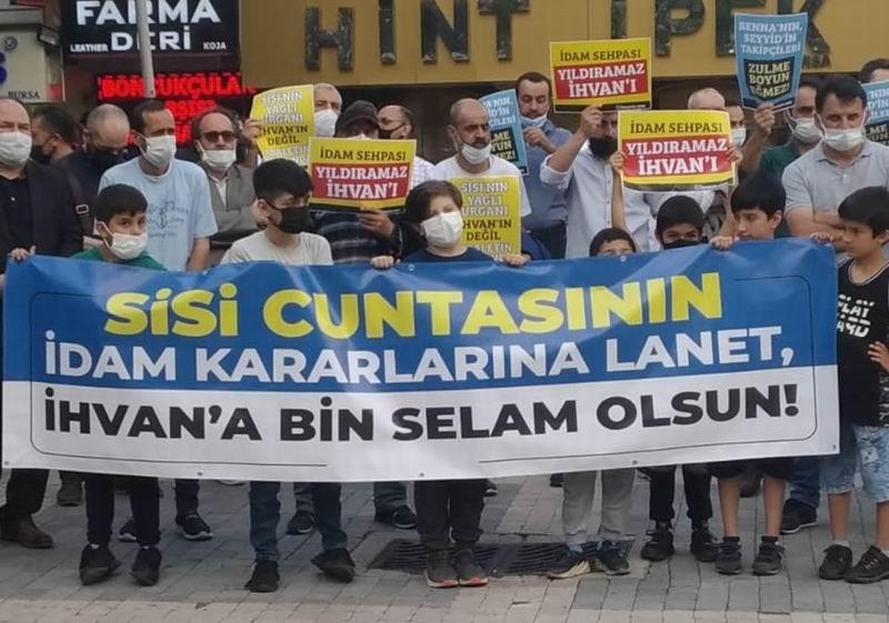 Bursa'da Sisi cuntasının idam kararları protesto edildi