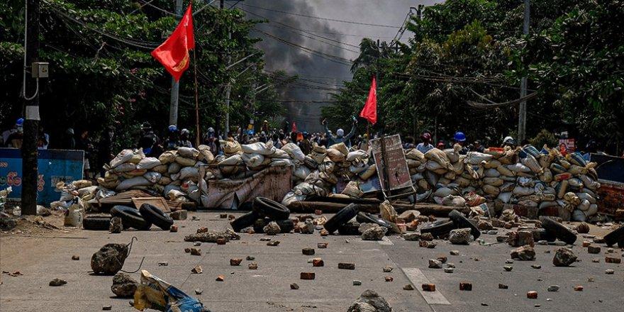 BM, Myanmar'dan yaklaşık 10 bin kişinin Hindistan ve Tayland sınırına sığındığını açıkladı