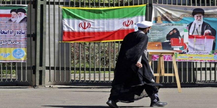 """İran'da seçim komedisinin sonucu: """"Halkın rejime inancı kalmadı!"""""""