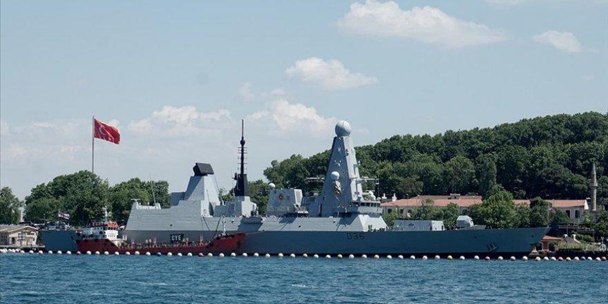 Rus uçağı, Karadeniz'de İngiliz savaş gemisine ateş açtı