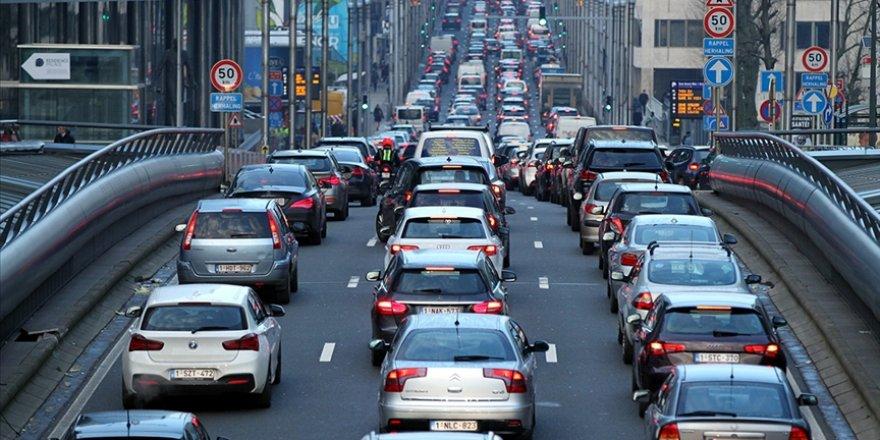 Brüksel'e 2035'ten itibaren benzinli ve LPG'li araçların girmesi yasaklandı