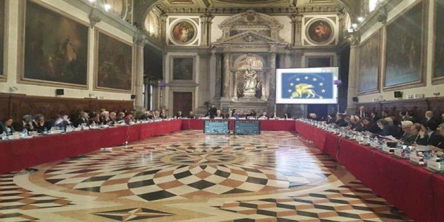 Türkiye'de sivil toplum örgütlerinin tepkisini çeken dernekler yasası, Venedik Komisyonu gündeminde