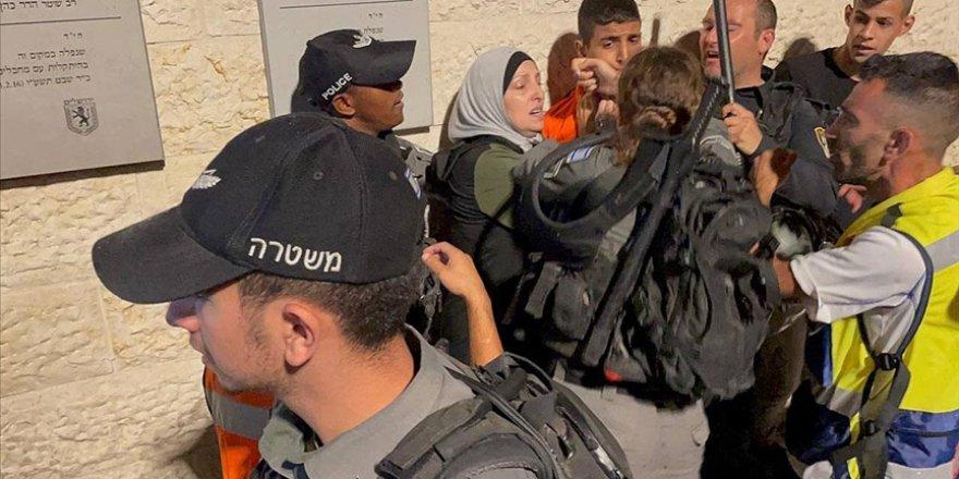 Siyonist İsrail polisinden Şam Kapısı'nda Filistinlilere saldırı