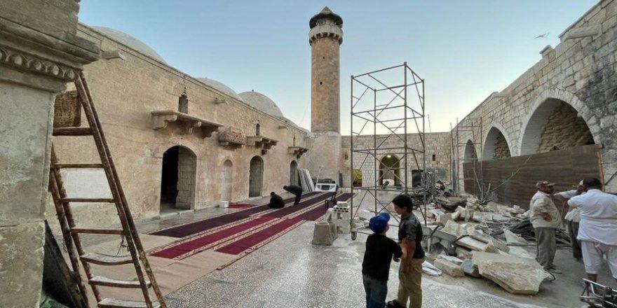 HTŞ, İdlib'de tarihî Ulu Cami'yi restore ediyor