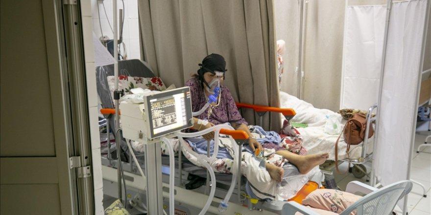 Tunus'ta Kovid-19 salgınında günlük ölü sayısı en yüksek seviyeye çıktı