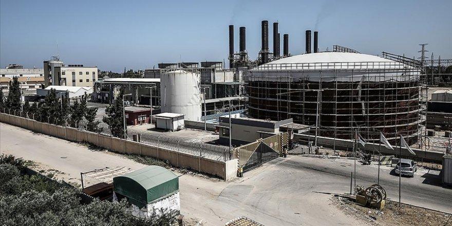 Siyonist İsrail, Gazze'deki elektrik santrali için kullanılacak yakıt girişini engelledi