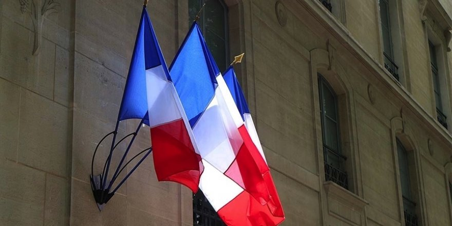 Fransa'da imam, kendisini görevden aldıran İçişleri Bakanı hakkında suç duyurusunda bulundu