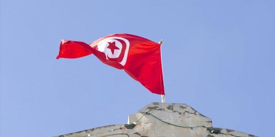 Tunus'ta Meclis yetkilerini dondurma kararı 30 gün geçerli olacak