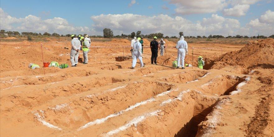 Libya'nın 'toplu mezarlar kenti' Terhune'de 12 ceset daha bulundu