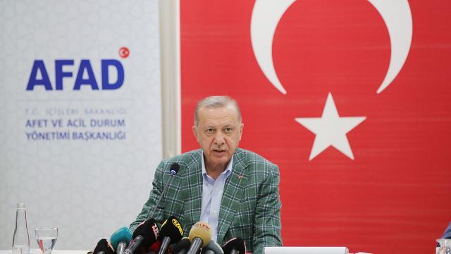Cumhurbaşkanı Erdoğan: Yanan evlere öncelikle 50 bin liraya kadar eşya yardımı yapılacak
