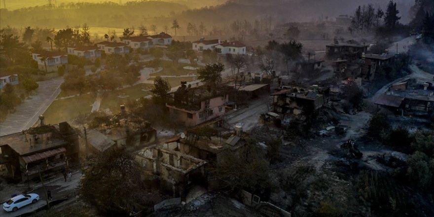 Manavgat'taki orman yangınında hasar gören evde 2 kişinin cansız bedenleri bulundu