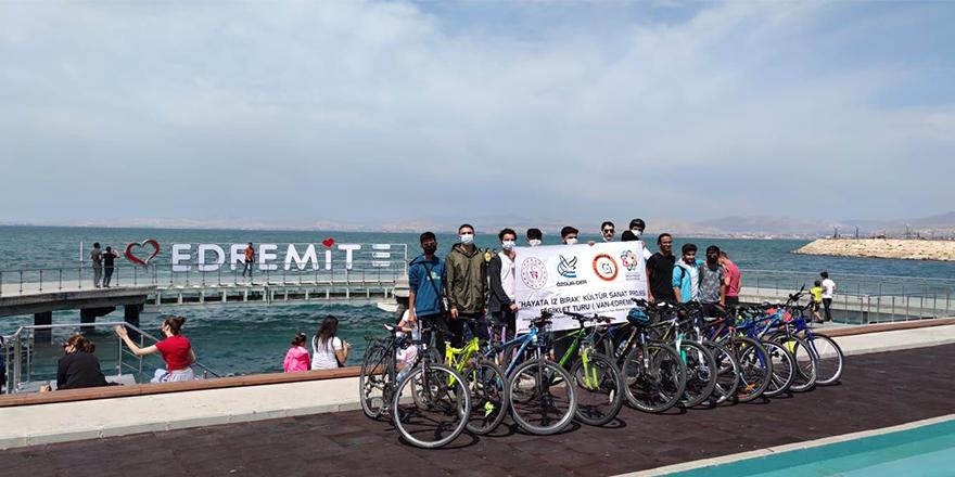 Van'da gençler bisiklet turu etkinliğinde buluştu