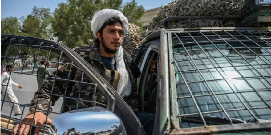 Taliban kadınları hükümete katılmaya davet etti