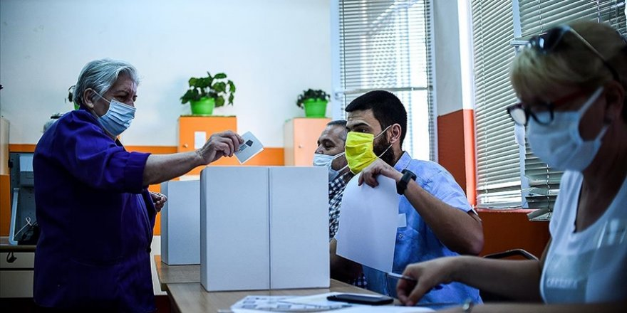 Bulgaristan bir yıl içinde üçüncü kez genel seçime gidiyor