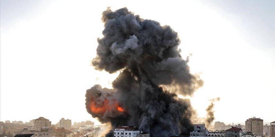 Siyonist İsrail'in Gazze'ye yönelik hava saldırıları sürüyor
