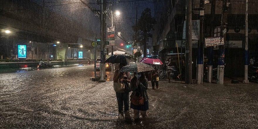 Filipinler'de etkili olan tayfunda 17 kişi öldü
