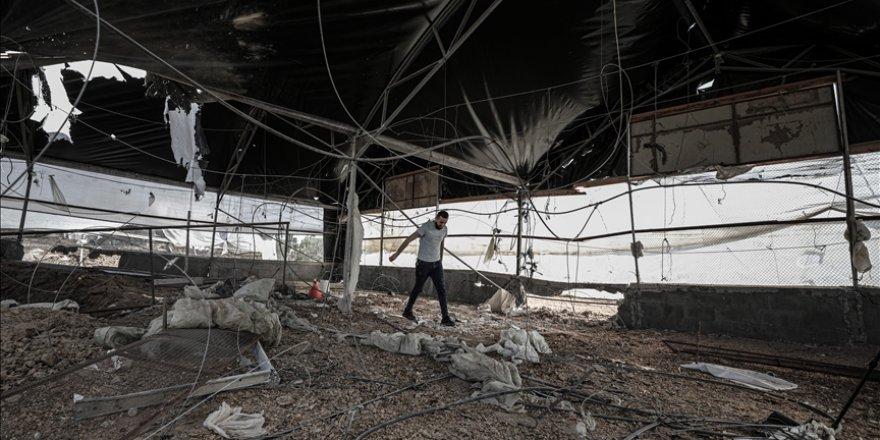 Gazzelilerin ekmek kapısı 3 tavuk çiftliği Siyonist İsrail saldırıları sonucunda harap oldu