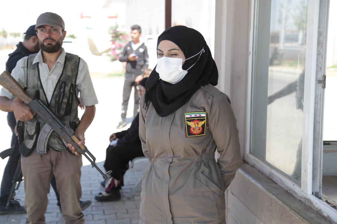 Türkiye'nin Suriye'de eğittiği kadın polisler görev yapıyor