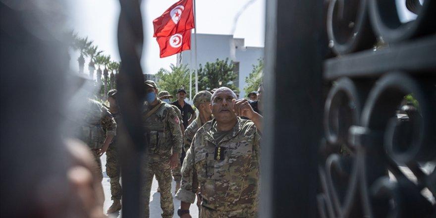 Tunus İşçi Partisi yetkilerini genişleten Cumhurbaşkanı'nı 'darbe operasyonunu tamamlamakla' suçladı