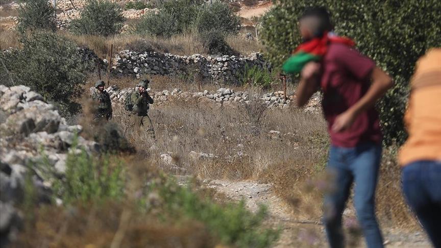 İşgalci İsrail güçleri Batı Şeria'daki gösterilerde 12 Filistinliyi yaraladı