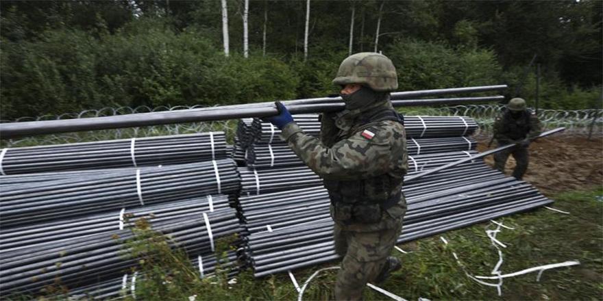 Polonya, göçe karşı 350 milyon euroluk sınır duvarı inşa edecek