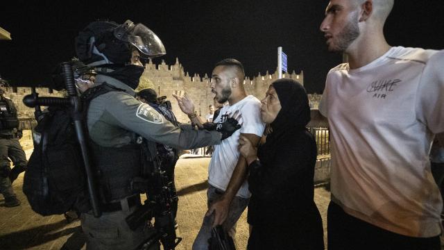 Siyonist İsrail'in Kudüs'teki zulmü devam ediyor
