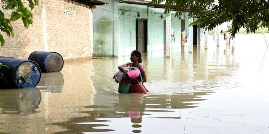 Hindistan'daki sel felaketinde 85 kişi öldü
