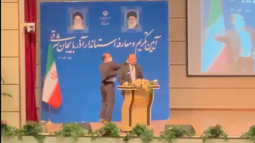 İran'da Doğu Azerbaycan'ın yeni valisine bir asker kameraların önünde tokat attı