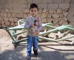 Kürt Çocuğu Ahmet Salih'ten Gazzeli Çocuklara Şeker