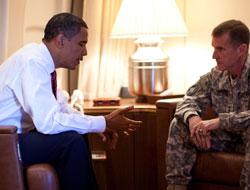 Obama, Kendisini Eleştiren Orgenerali Azletti